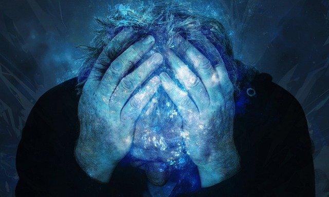 zoufalost a bolest hlavy